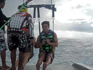 what-things-to-do-in-borcay-parasailing