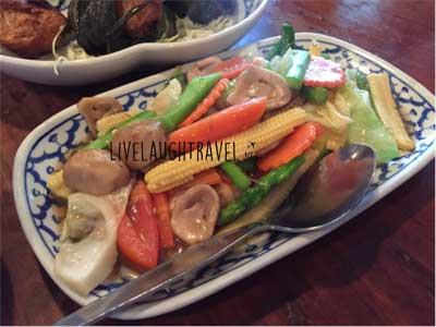 ban-khun-mae-restaurant-review-vegetables