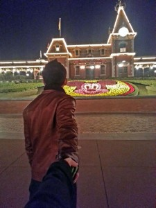 Travel-Hong-Kong-Disneyland-night